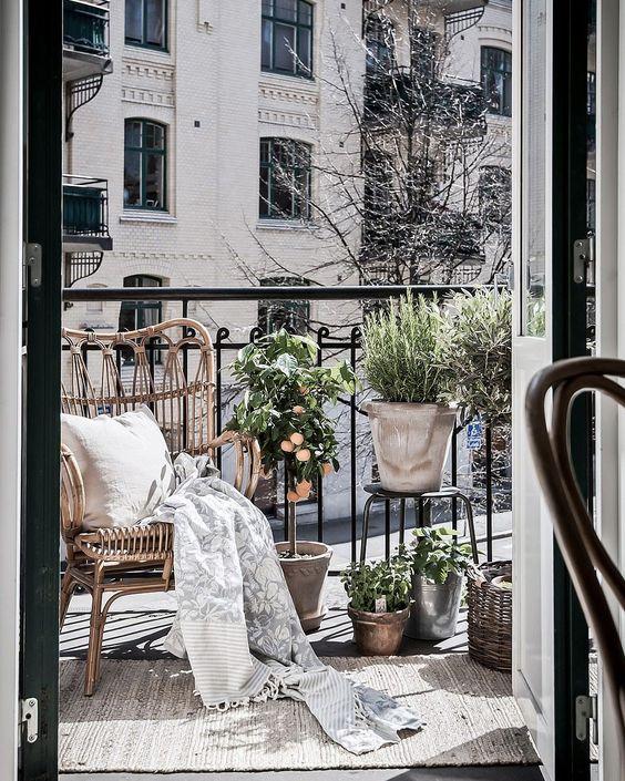 un balcon pour oz by cath. Black Bedroom Furniture Sets. Home Design Ideas